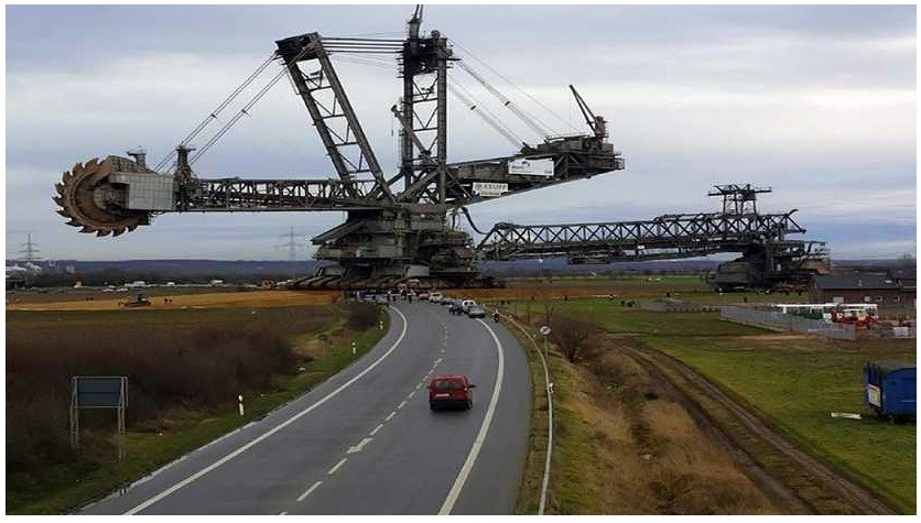 , the Bagger 288 helps produce some 100 million tons of coal annually