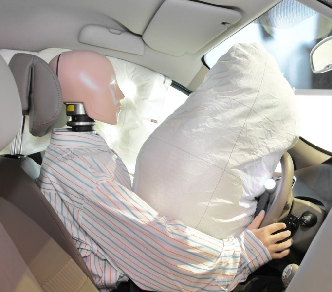 Autobody-review are airbags dangerous or lifesavers