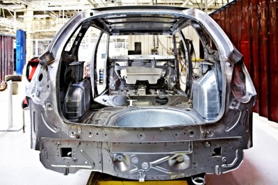 AutoBody-review the importance of auto frame straightening