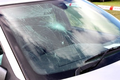AutoBody-Review don't let your broken windshield crack your nerves