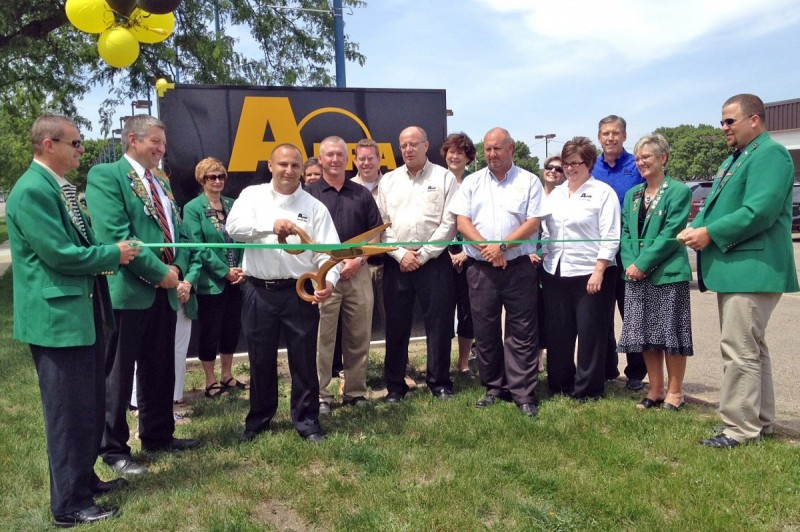 Abra Body Shop >> Midwestern States Gain Two New Abra Auto Body And Glass Shops