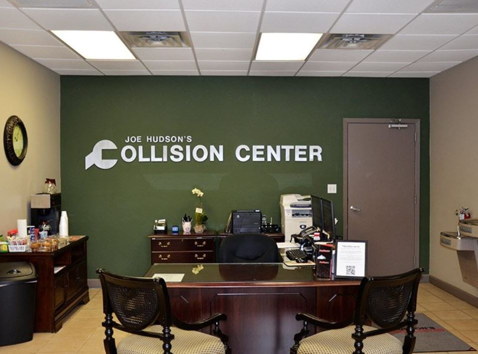 Our body shop's business office located at Daphne, AL, 36526 is staffed with friendly and experienced personnel.
