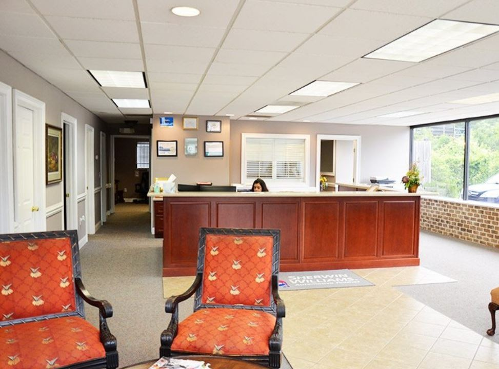 Our body shop's business office located at Savannah, GA, 31419 is staffed with friendly and experienced personnel.