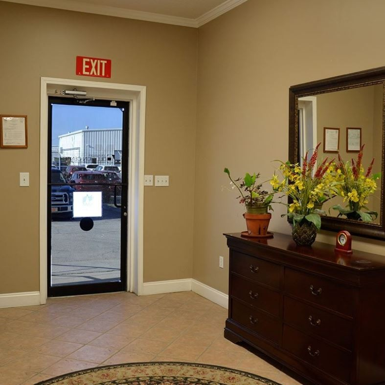 Our body shop's business office located at Huntsville, AL, 35805 is staffed with friendly and experienced personnel.