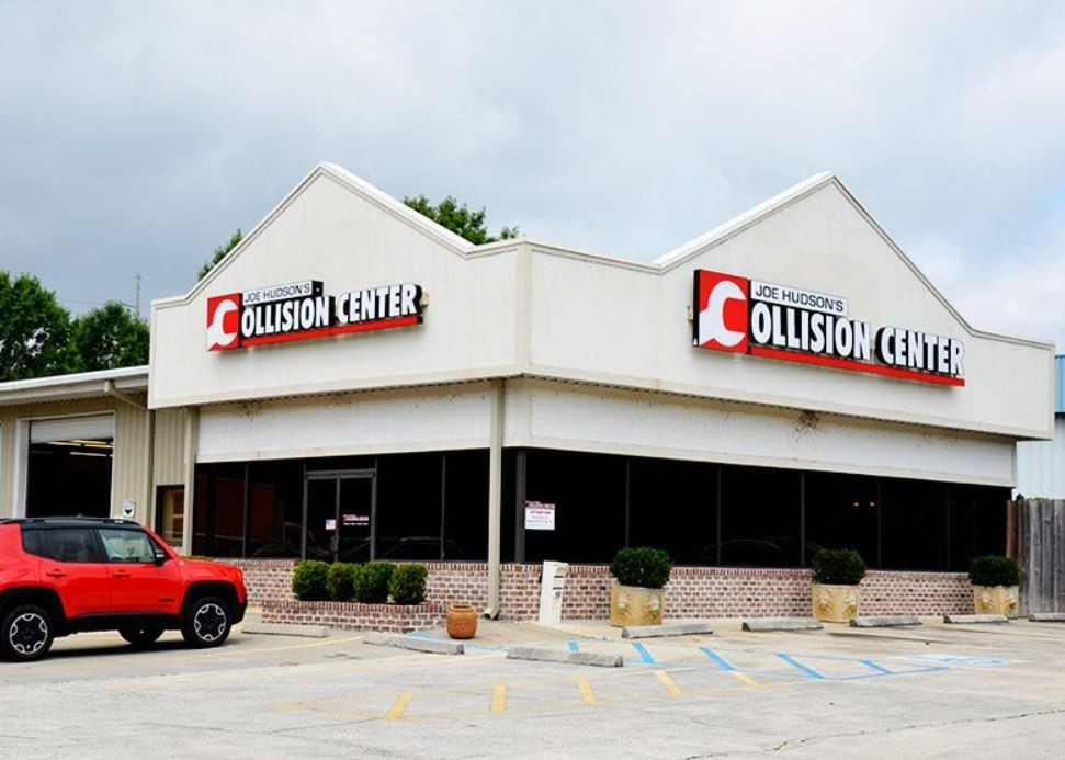 We are centrally located at Savannah, GA, 31419 for our guest's convenience and are ready to assist you with your collision repair needs.