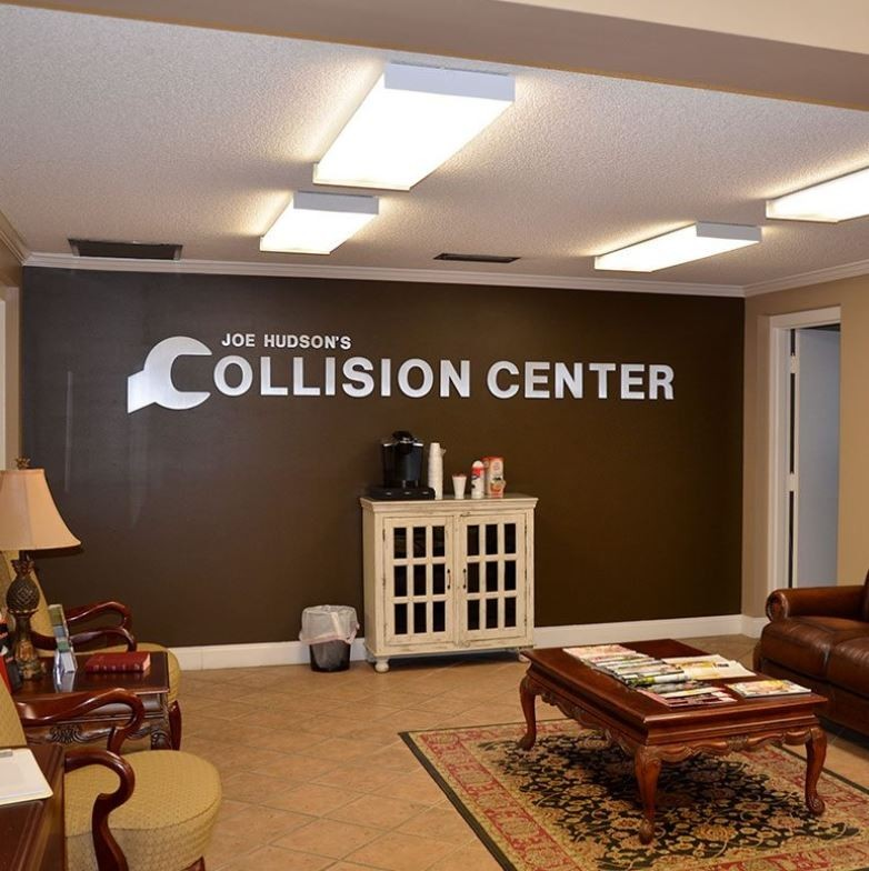 Here at Joe Hudson's Collision Center - Bob Wallace, Huntsville, AL, 35805, we have a welcoming waiting room.
