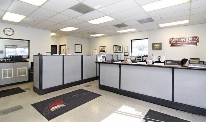 Seidner's Collision Center - Glendora 1949 Auto Centre Dr.  Glendora, CA 91740  A FULL SERVICE AWAITS TO SERVE YOU ....
