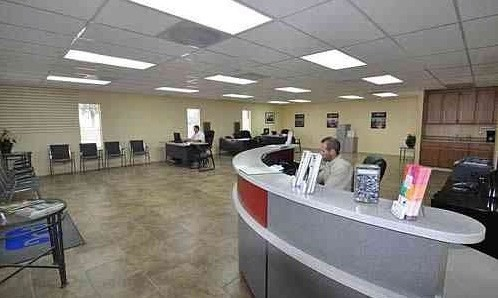 Seidner's Collision Center - Fontana - in CA, 92335, we have a welcoming waiting room.