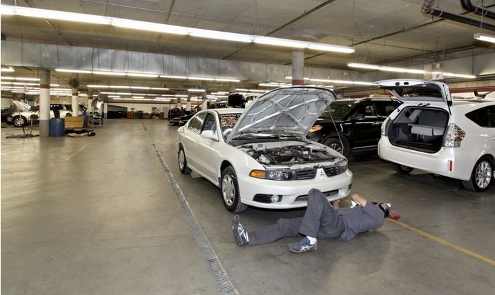 At Seidner's Collision Center - Duarte, all of our body technicians are skilled at panel replacing.
