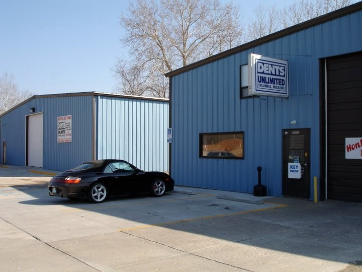 We are centrally located at Columbia, MO, 65202 for our guest's convenience and are ready to assist you with your collision repair needs.
