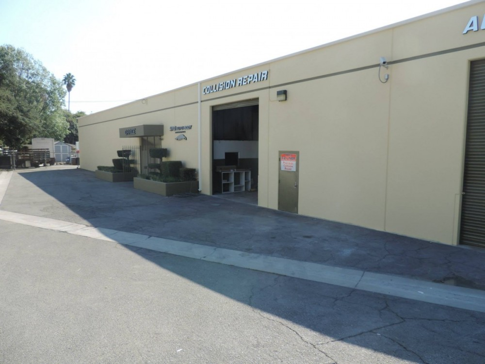 S and D Auto Body - Professional preparation for a high-quality finish starts with a skilled prep technician.  At S And D Auto Body, in Monrovia, CA, 91016-4831, our preparation technicians have sensitive hands and trained eyes to detect any defects prior to the final refinishing process.