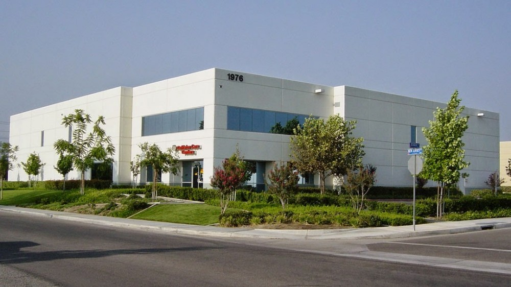 Fix Auto Redlands 1976 Essex Ct  Redlands, CA 92373  We are centrally located with easy access for our guests.