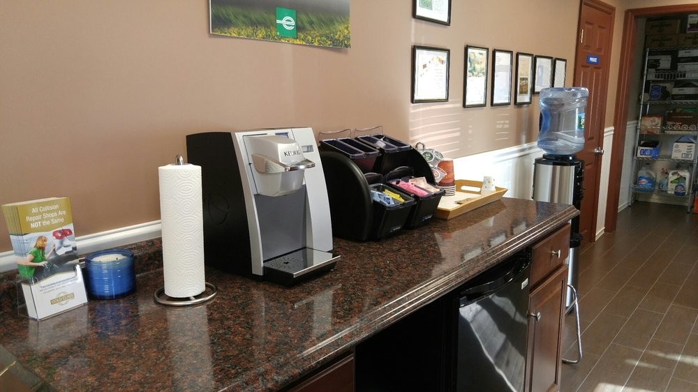 Here at Delta Collision Inc., Matawan, NJ, 07747, we have a welcoming waiting room and refreshments available.