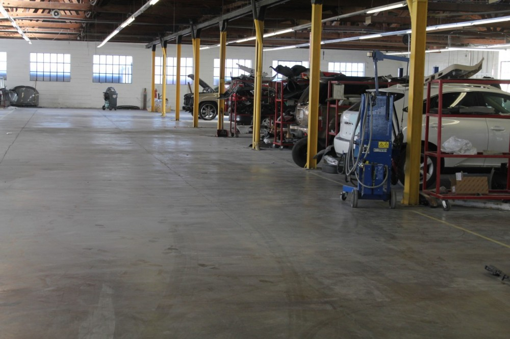 Collision Center Of Riverside