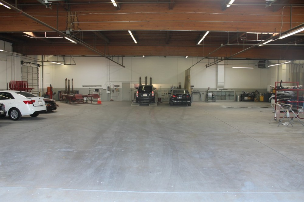 Auto Center Auto Body, San Bernadino, Ca.  Dealer Located.  Collision Services