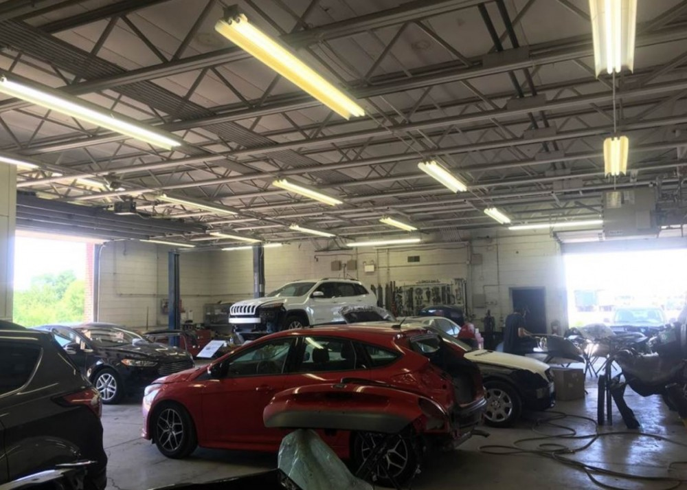 White Eagle Auto Body Oswego - We are a professional quality, Collision Repair Facility located at Naperville, IL, 60563. We are highly trained for all your collision repair needs.