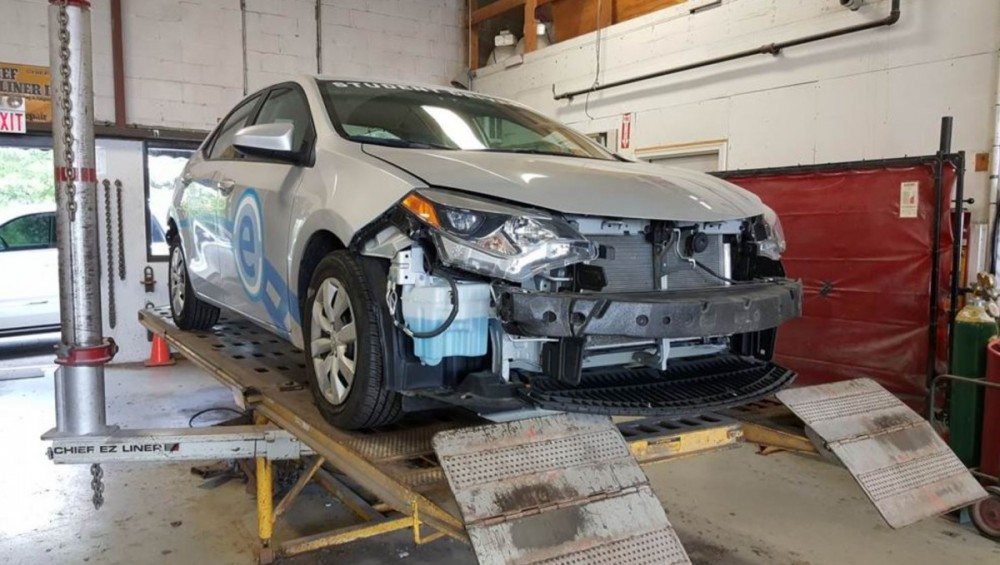 White Eagle Auto Body Naperville - Accurate alignments are the conclusion to a safe and high quality repair done at White Eagle Auto Body, Naperville, IL, 60563
