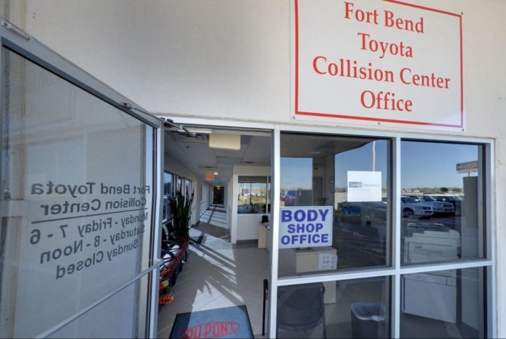 Our body shop's business office located at Richmond, TX, 77469 is staffed with friendly and experienced personnel.
