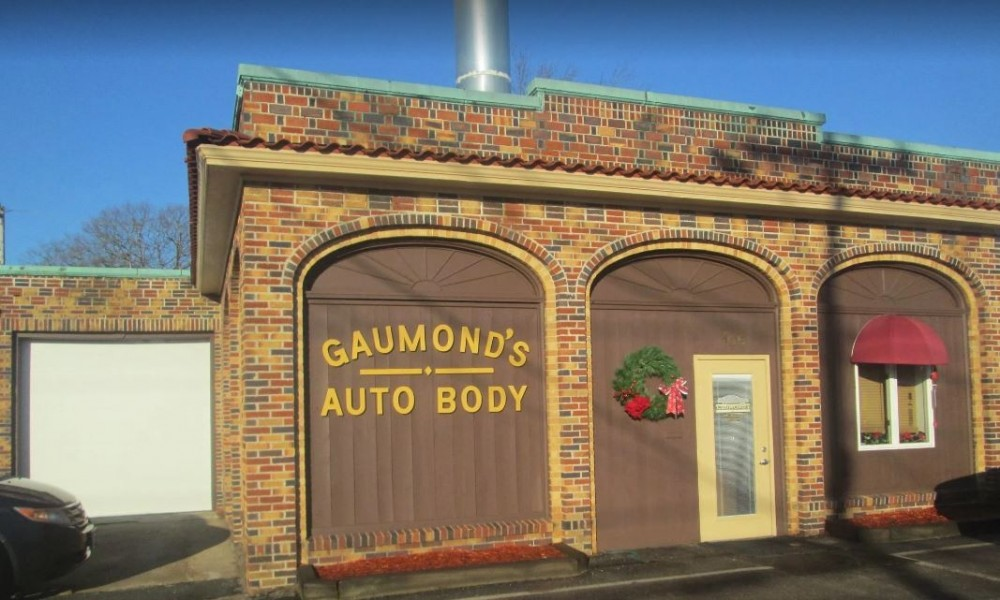 Gaumond's Auto Body - We are Centrally Located at North Attleboro, MA, 02760 for our guest's convenience and are ready to assist you with your collision repair needs.
