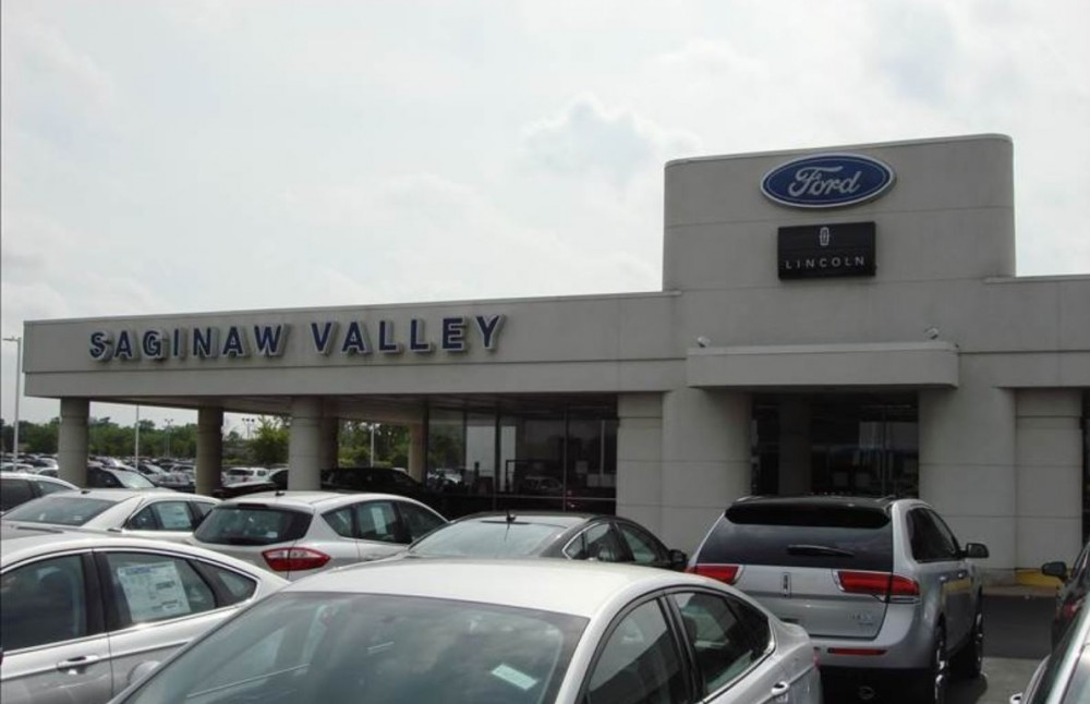 We are centrally located at Saginaw, MI, 48603 for our guest's convenience and are ready to assist you with your collision repair needs.