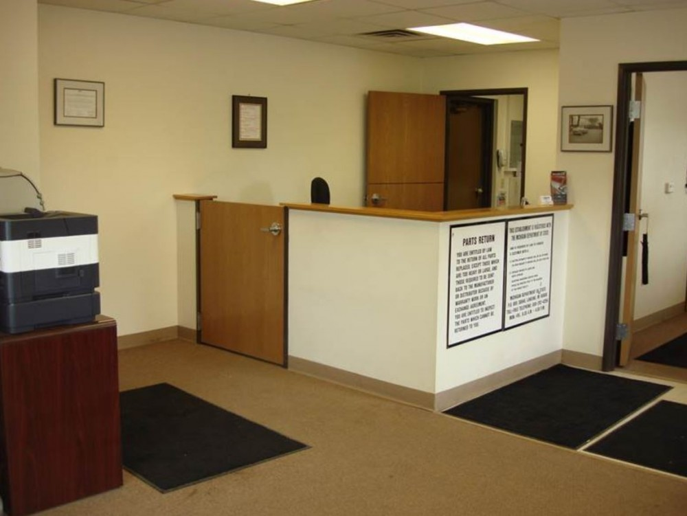 Our body shop's business office located at Saginaw, MI, 48603 is staffed with friendly and experienced personnel.