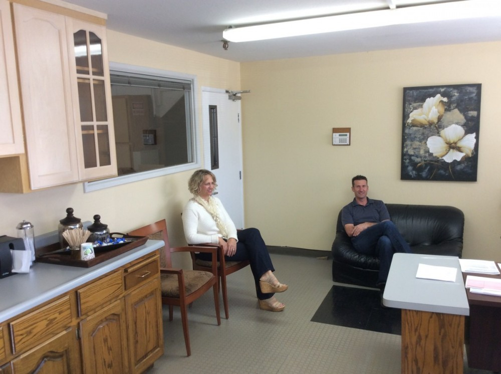 Our body shop's business office is located at Campbell, CA, 95008, and is staffed with friendly and experienced personnel. Feel free to ask us any questions about your auto body repair!