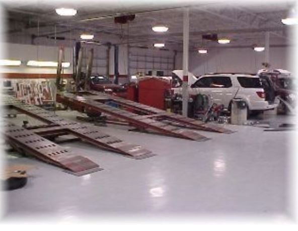 Attractive Here At Professional Vehicle Lifting Equipment At Toyota Of Irving  Collision Center , Located At Irving, ...