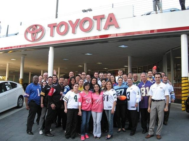 Toyota of North Hollywood 4645 Lankershim Blvd North Hollywood, CA 91602 Collision Repair Experts.  Auto Body & Painting Repairs. A STATE OF THE ART REPAIR  & SERVICE CENTER IS ALWAYS READY TO SERVE YOU