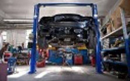 ... Professional Vehicle Lifting Equipment At Mall Chevrolet Collision  Center , Located At Cherry Hill, NJ