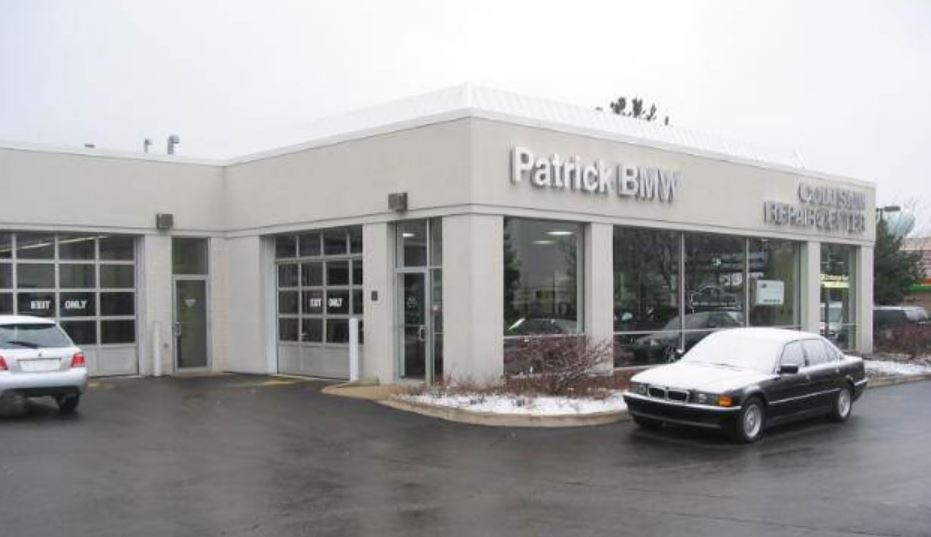 We are centrally located at Schaumburg, IL, 60173 for our guest's convenience and are ready to assist you with your collision repair needs.