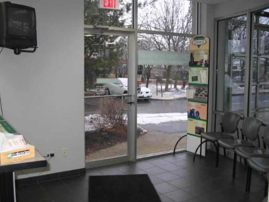 Here at Patrick BMW Collision Repair, Schaumburg, IL, 60173, we have a welcoming waiting room.