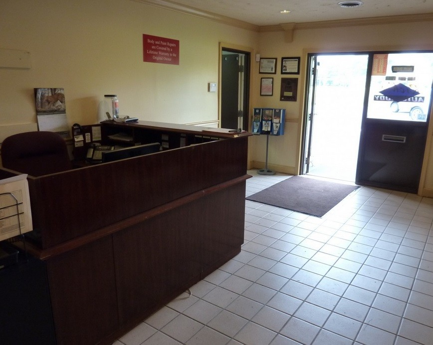 Rick's Auto Body & Collision Center 5383 Telephone Rd Warrenton, VA 20187   A FULL SERVICE OFFICE READY TO ASSIST YOU...