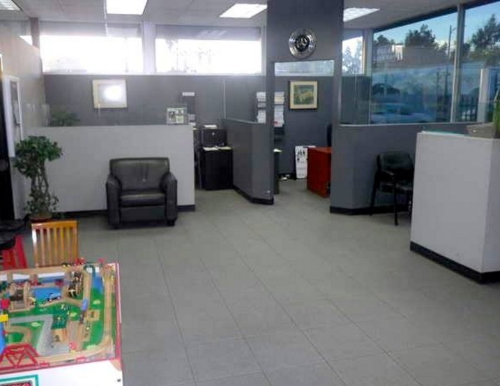 Our body shop's business office located at Reseda, CA, 91335 is staffed with friendly and experienced personnel.