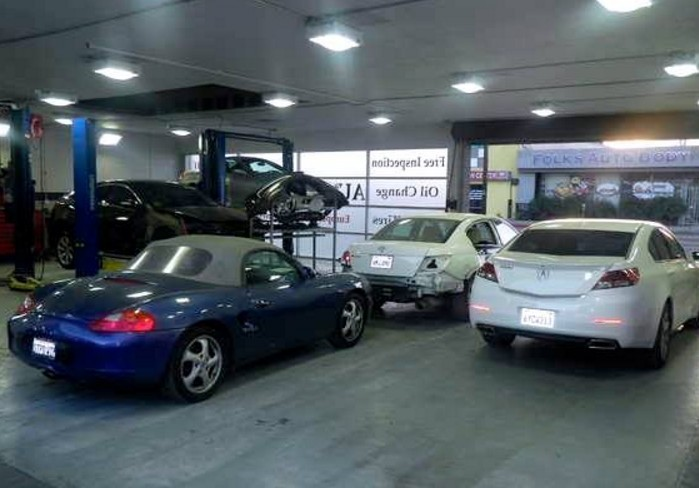 We are a state of the art Collision Repair Facility waiting to serve you, located at Reseda, CA, 91335.