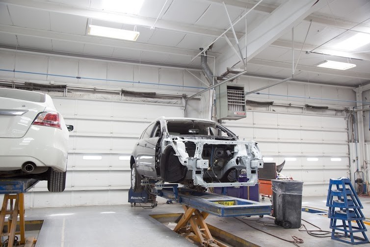 Collision repairs unsurpassed at Del City, OK, 73115. Our collision structural repair equipment is world class.