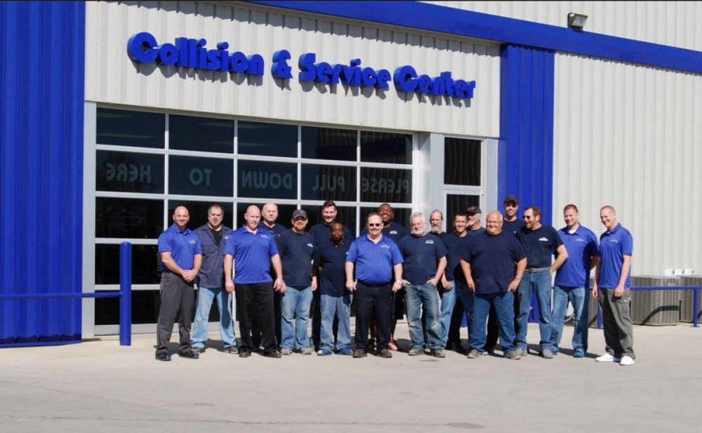 Friendly faces and experienced staff members at Collision Works Of Wichita West, in Wichita, KS, 67205, are always here to assist you with your collision repair needs.