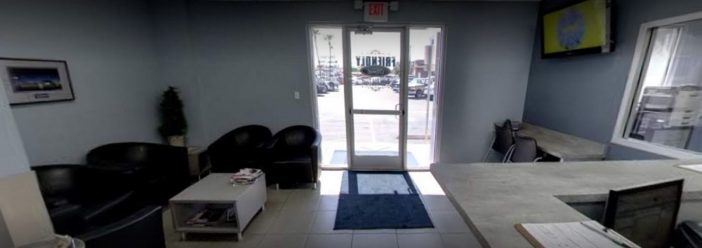 Here at Friendly Ford Body Shop, Las Vegas, NV, 89108, we have a welcoming waiting room.