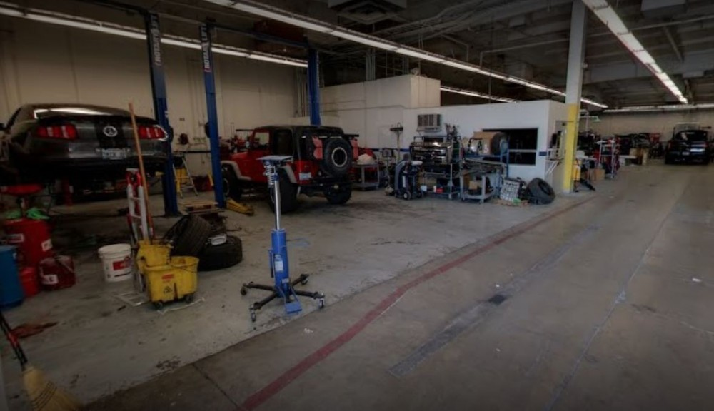 We are a professional quality, Collision Repair Facility located at Las Vegas, NV, 89108. We are highly trained for all your collision repair needs.