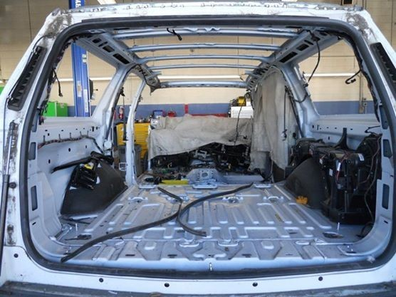 Detroit Auto Body 521 N 2nd Ave.  Covina, CA 91723-1609  EVERY DETAIL OF THE REPAIR IS OBSERVED..  THE COMPLETE VEHICLE IS PROTECTED THRU OUT THE COLLISION REPAIR ...