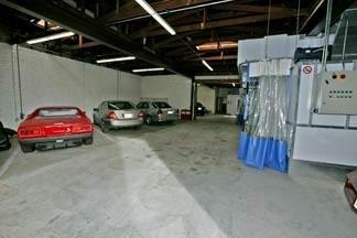 Bells & Vaughn Collision Center 241 N. Allen Avenue  Pasadena, CA 91106  A Clean & Organized Collision Facility Awaits You .....