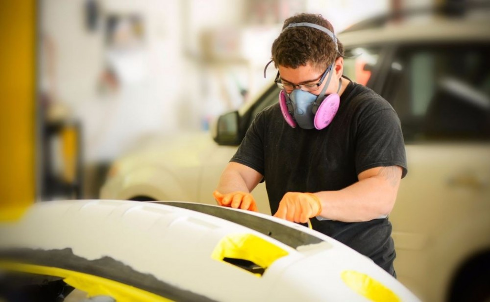 Here at North Haven Autobody, North Haven, CT, 06473, our body technicians are craftsmen in the art of metal straightening.