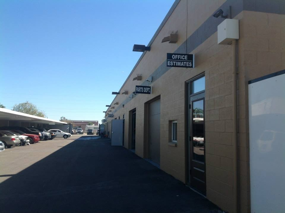 At Arizona Collision Center, located at Tempe, AZ, 85281, we have friendly and very experienced office personnel ready to assist you with your collision repair needs.