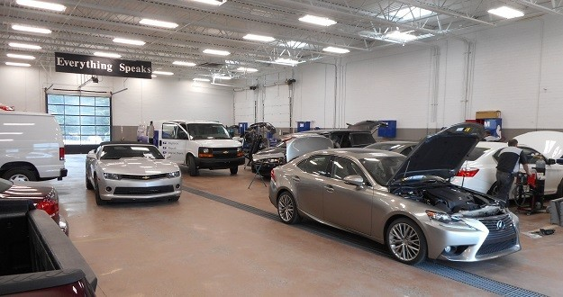 Hendrick Collision Center Hickory - We are Centrally Located at NC, 28603 for our guest's convenience and are ready to assist you with your collision repair needs.