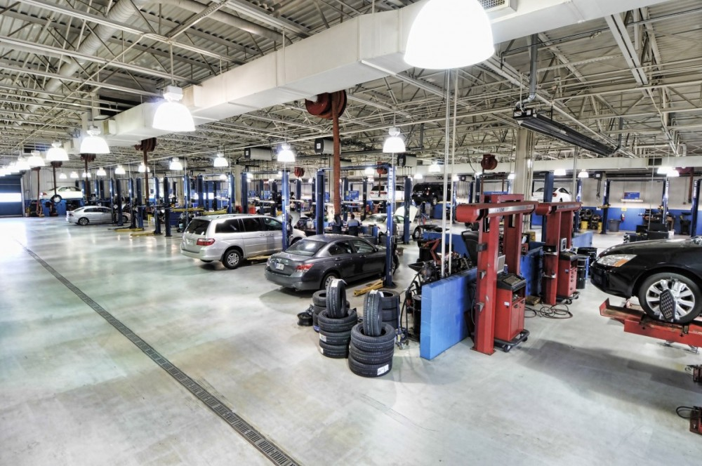 Gwinnett Place Honda 3325 Satellite Blvd  Duluth, GA 30096  We are a Large and Organized State of the Art Collision Repair Facility