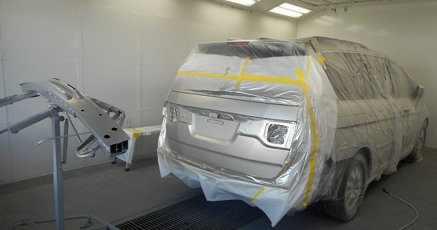 Hendrick Collision Center Hickory - A clean and neat refinishing preparation area allows for a professional job to be done at Hendrick Collision Center Hickory, NC, 28603.