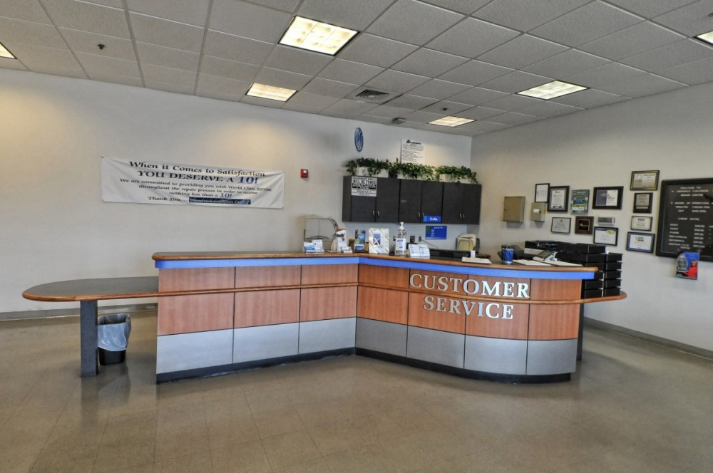 Gwinnett Place Honda 3325 Satellite Blvd  Duluth, GA 30096 Auto Body & Paint professionals.  Collision Repair experts. Our Office is staffed with very Experienced and Skilled Personnel to Assist You with Your Collision Repair Needs.