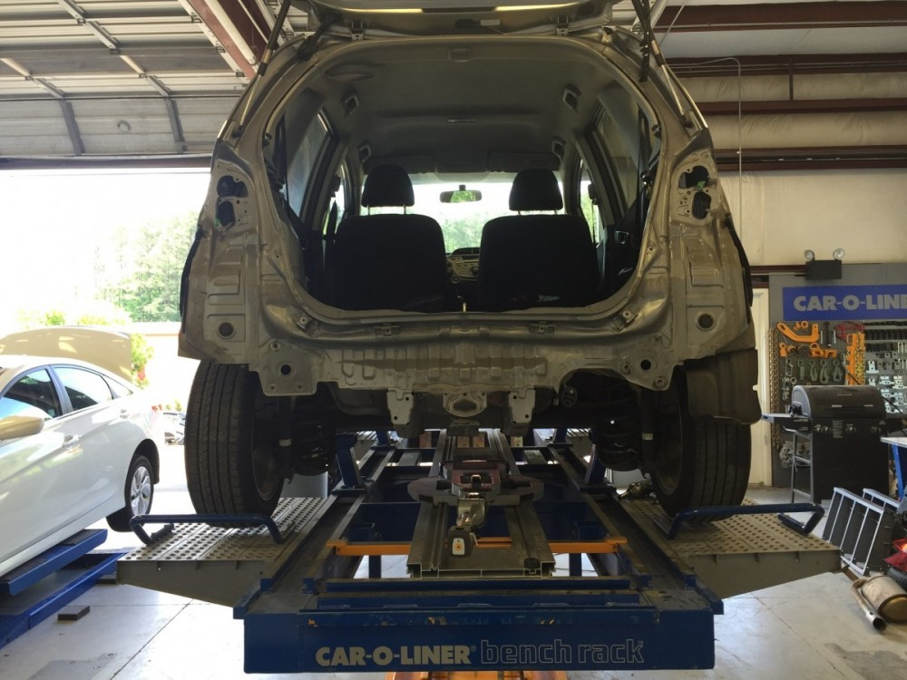 Hendrick Collision Center Hwy 55 - our body technicians are craftsmen in the art of metal straightening.