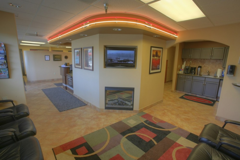 The waiting area at our body shop, located at Olympia, WA, 98502 is a comfortable and inviting place for our guests.