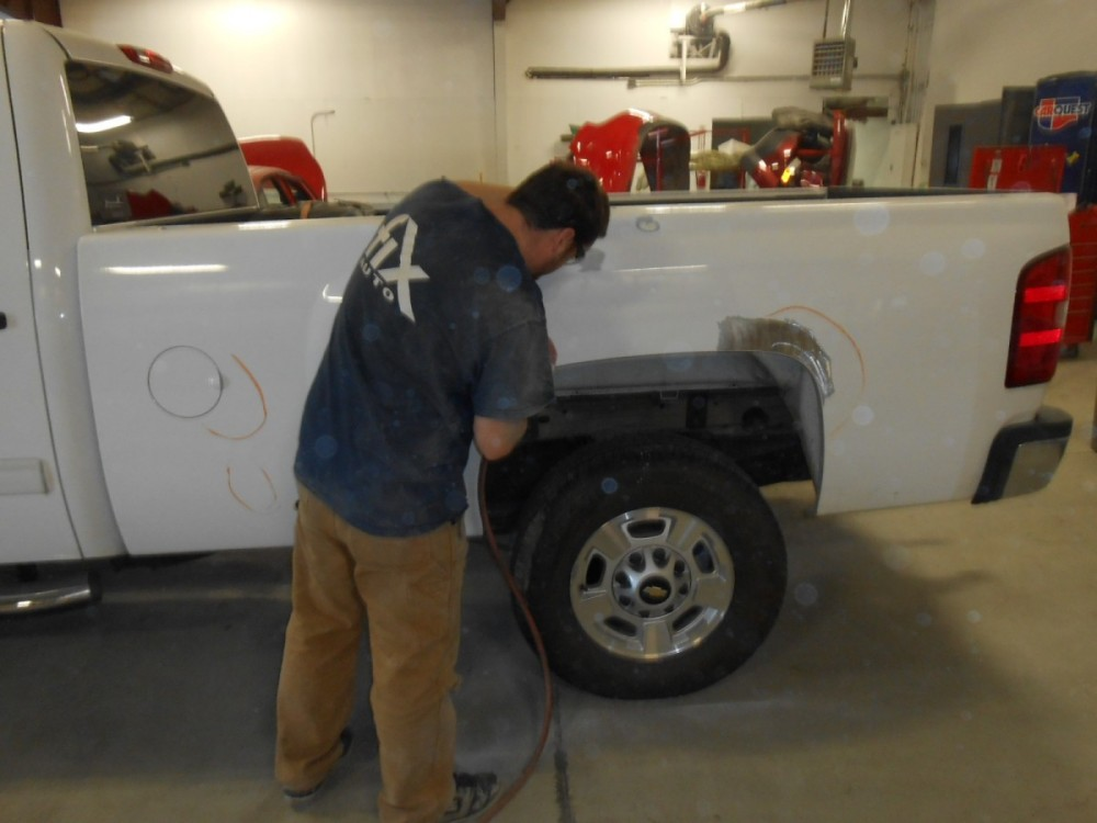 Here at Fix Auto Soldotna, our body technicians are craftsmen in the art of metal straightening.