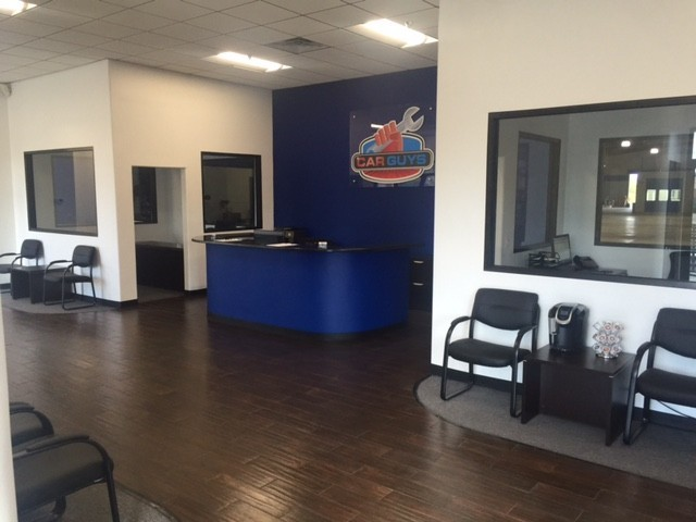 The waiting area at our body shop, located at Ocala, FL, 34471 is a comfortable and inviting place for our guests.